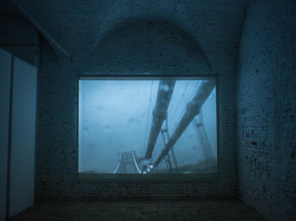 lux 01 – James Elaine & William Basinski | video exhibition _ on a frontier of wires